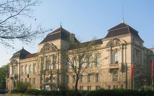 Berlin University of the Arts in 'Best Institute of Music 2013': ranks ?