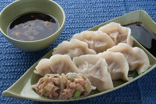 Dumplings in 'Best Chinese Foods/Cuisines': ranks 10