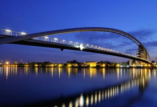 Three Countries Bridgein 'Top 10 Bridges Around the World 2013': ranks ?