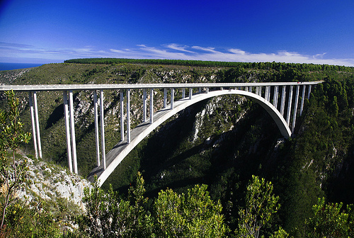 Bloukrans Bridgein 'Top 10 Bridges Around the World 2013': ranks ?